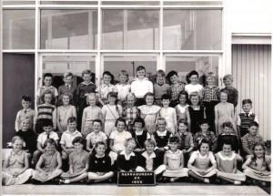 Narrabundah Infants 1955 - Courtesy Bill McIntyre - 4th row centre